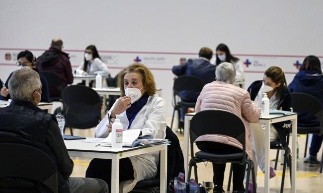 Италия превръща църкви и музеи в центрове за имунизация