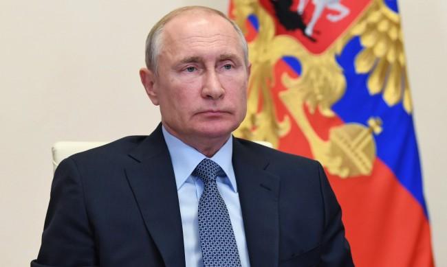 Ядрени торпеда, летища: Русия трупа безпрецедентна военна мощ в Арктика