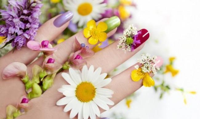 Кои цветове да изпробвате в пролетния си маникюр?