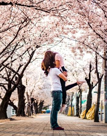 Зодиите, за които април ще е пълен с любов