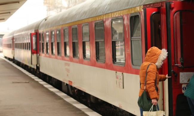 Мъж осъди железничар, нападнал го след снимка на влак