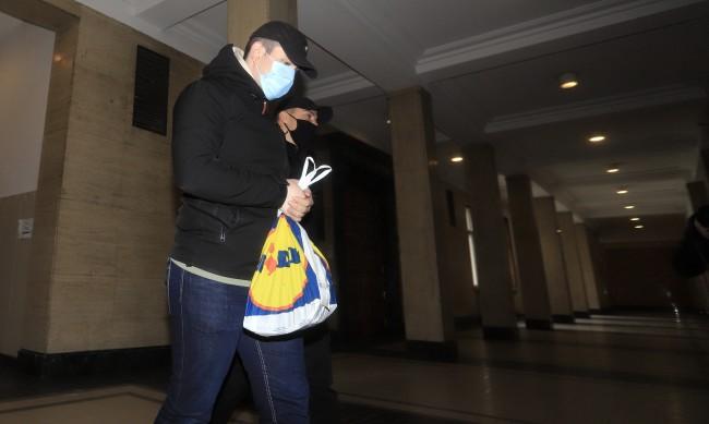 Отложиха делото на Милен Цветков, защитата с болничен лист