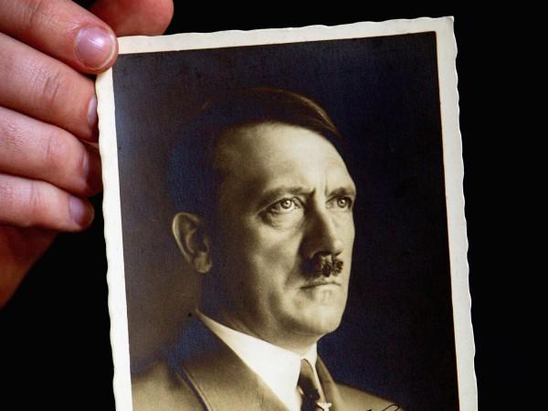 Шокиращо е колко красиви жени са си падали по Хитлер