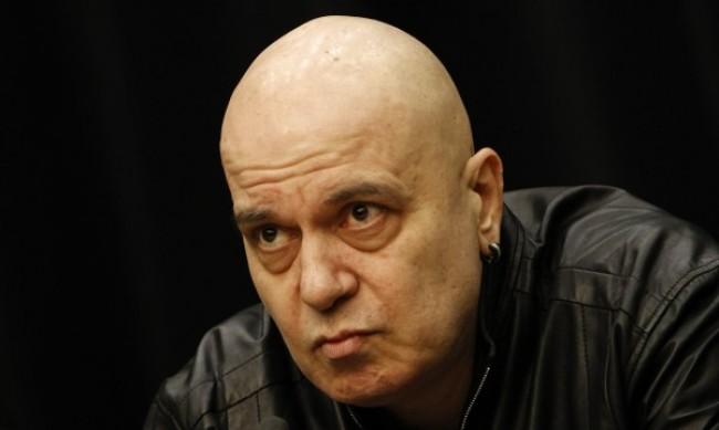 Всеки ден мълчание ерозира доверието в партията на Слави Трифонов