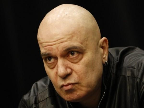 """""""Слави Трифонов трябва да наруши мълчанието съвсем скоро и да"""