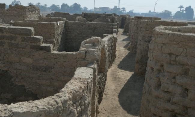 Изоставен град на 3400 г. открит край египетския Луксор