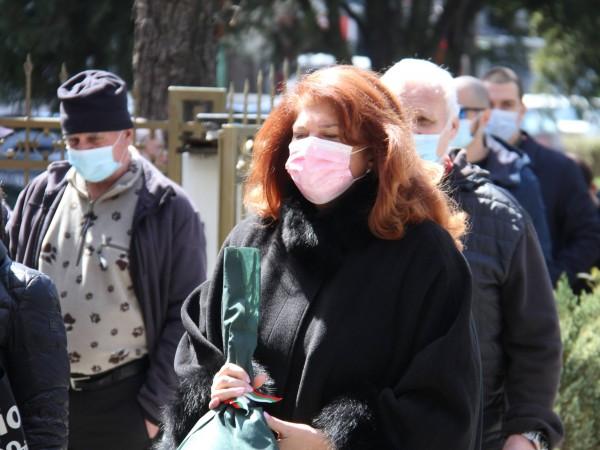 Снимка: Димитър Кьосемарлиев, Dnes.bgБлизки, приятели, политици и много журналисти си