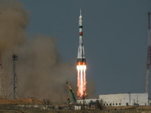 Обединените арабски емирства (ОАЕ) днес обявиха, че двама нови астронавти