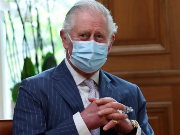 Принц Чарлз, наследник на британската корона, отдаде почит на принц