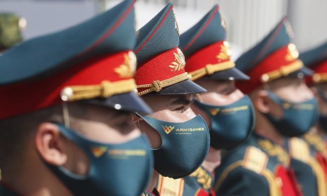 Германският министър на отбраната към Москва: Войските накъде?