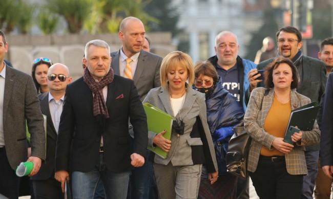 Мая Манолова: Имаме ръбове, на тях ще се убожда Борисов