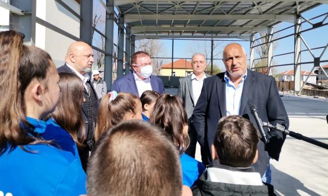 Борисов: Цената на ваксините ще се вдига, борбата продължава