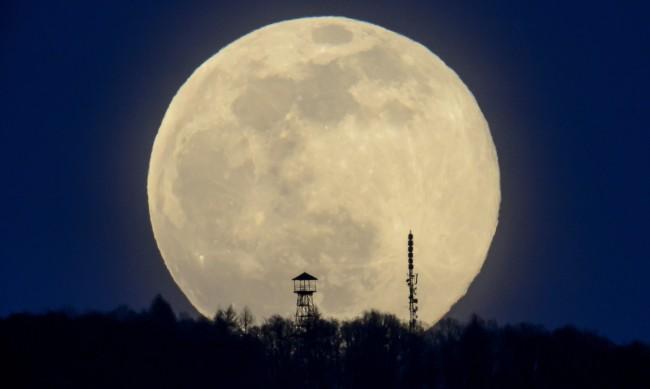Турция тества успешно първия си двигател за мисия до Луната