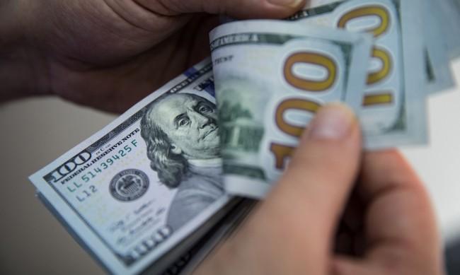 След силното начало на 2021 г.: Доларът пред много предизвикателства