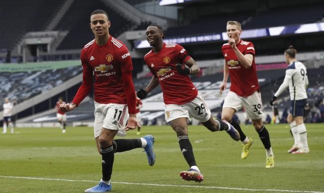 Манчестър Юнайтед разби Тотнъм насред Лондон
