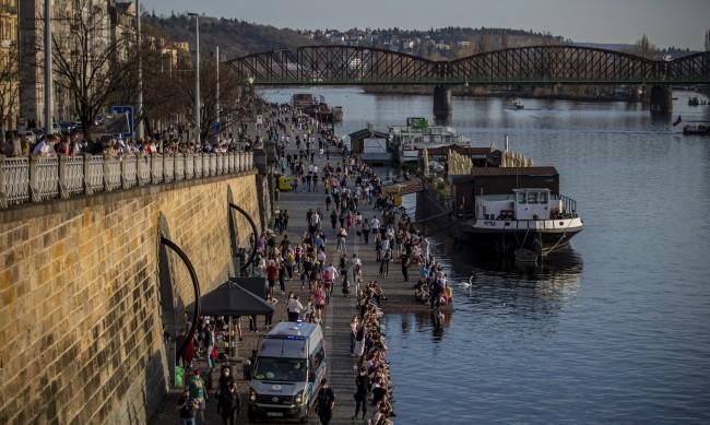 След 188 дни край на извънредното положение в Чехия