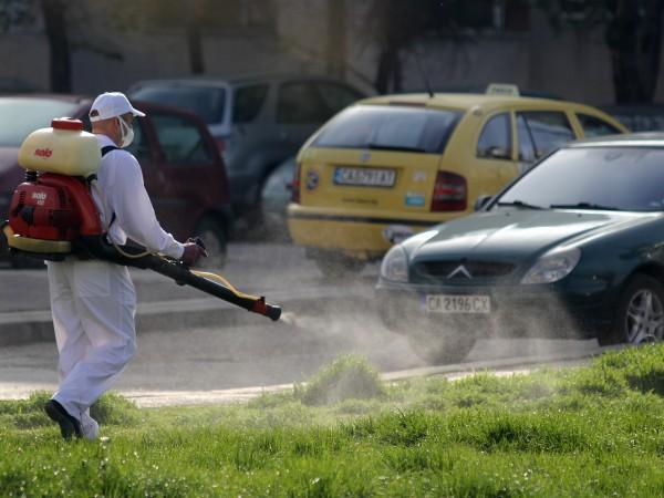 От днес започва пръскането срещу кърлежи в София. То ще