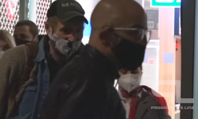 Холивудска звезда кацна инкогнито по Летище Бургас