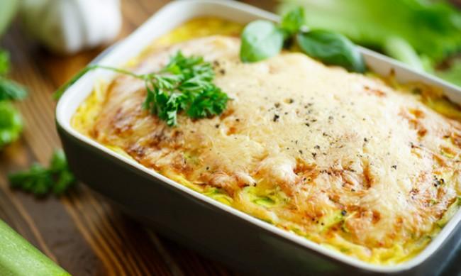 Рецептата Dnes: Запеканка с тиквички и кашкавал