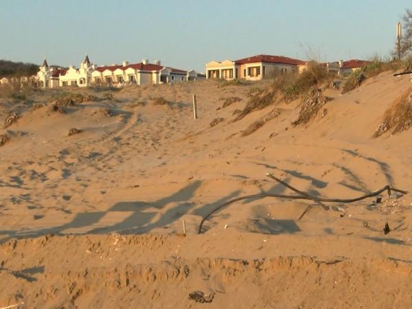 """Вицепремиерът Марияна Николова разпореди проверка на морски плаж """"Смокиня"""".Инспекцията ще"""