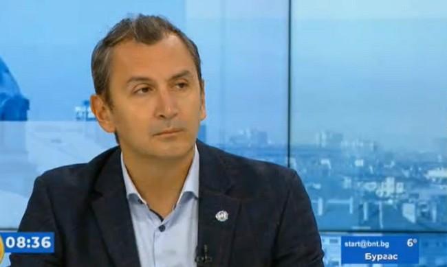"""СЗО-България: Не може да се поставя """"втора игла"""" от друга ваксина"""