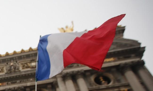 Във Франция приемат закон в защита на светската държава