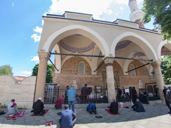 Започва свещеният за мюсюлманите Рамазан. Религиозните постят духовно и физически