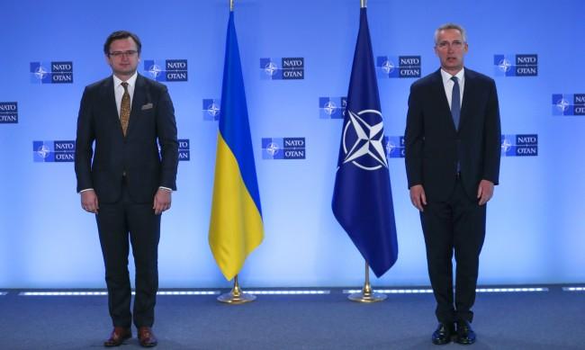 Украйна иска помощ от НАТО, за да няма война с Русия