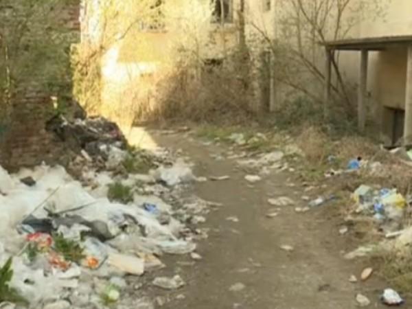 Нерегламентирани сметища са се образували на няколко места в кюстендилското