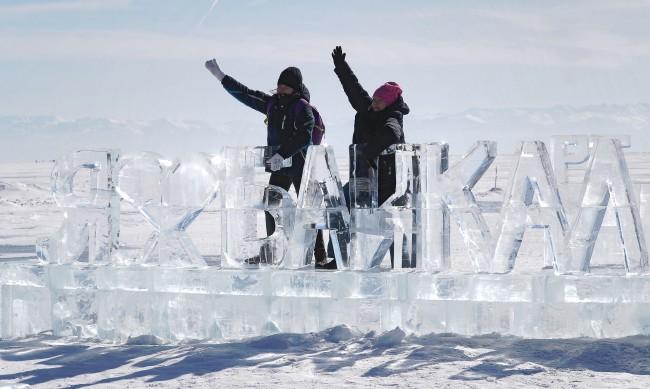 Природата срещу туристите: Ще пострада ли сериозно езерото Байкал?