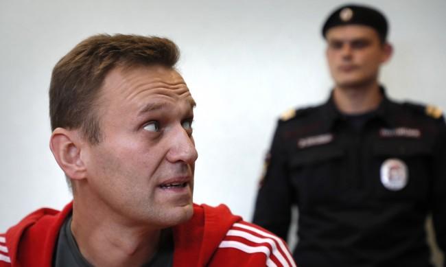От затвора ще хранят насилствено Навални, отслабнал много