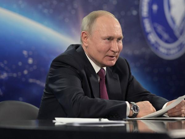 Президентът на Русия Владимир Путин получи втора доза от руска