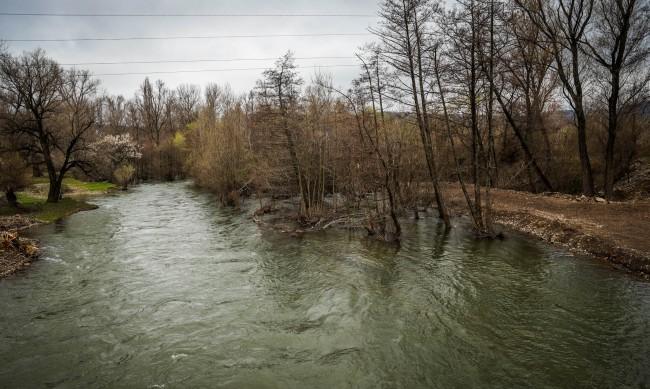 Няма опасност от преливане на реките в София