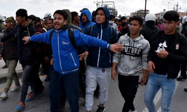 Спипаха бежанци в камион, шофьорът е арестуван