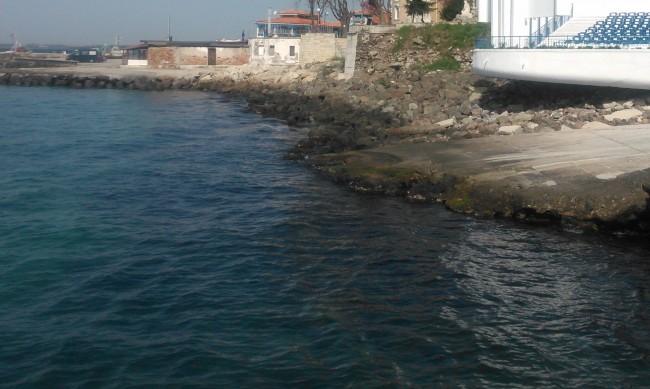 ДНСК ще премахва незаконни обекти в курортите и на плажовете