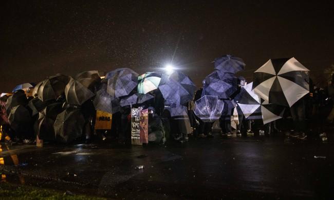 Поредна нощ протести в Минеаполис след убийството на афроамериканец