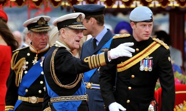 Ще облече ли Хари отнетата му военна униформа?