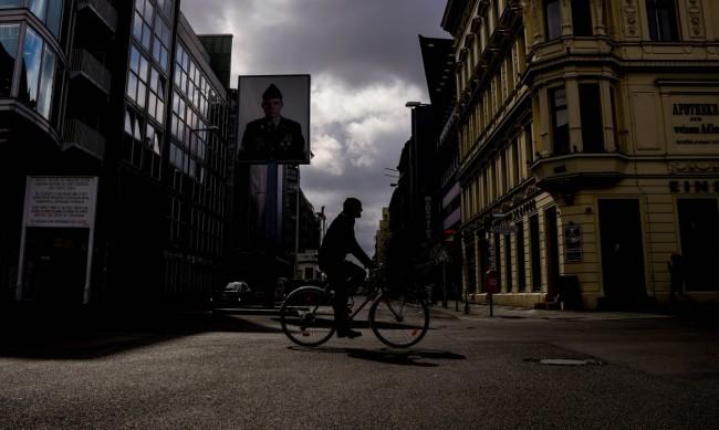 Германия с рекорд на новозаразени с коронавирус, скок и на починали