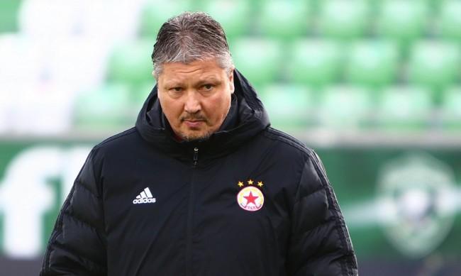 Любо Пенев отнесе 2 мача наказание и глоба от БФС