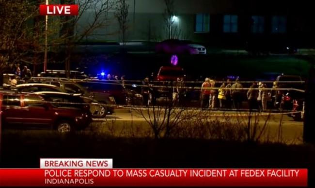 Мъж стреля до летището в Индианаполис, има убити