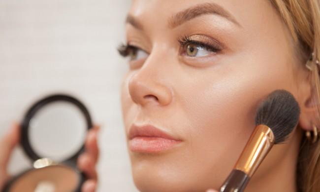 6 вреди за кожата от всекидневното нанасяне на грим