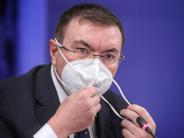 Палехте маски и казвахте, че няма вирус, сега сте загрижени
