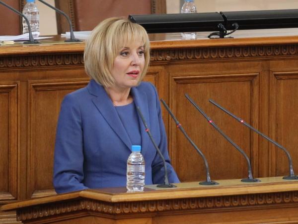 Остър отпор в парламента получи решението на премиера в оставка