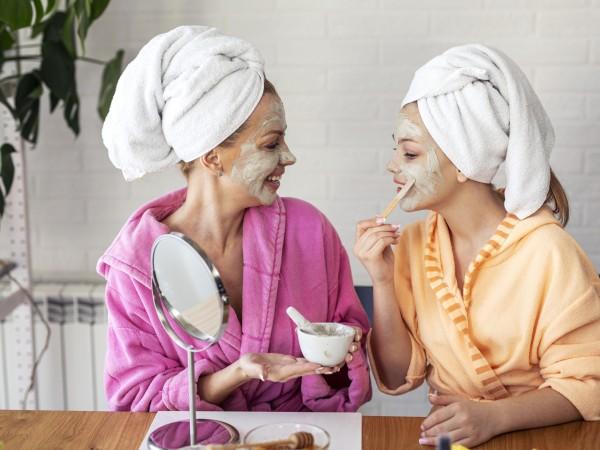 Разликата между грижата за кожата сутрин и вечер е като
