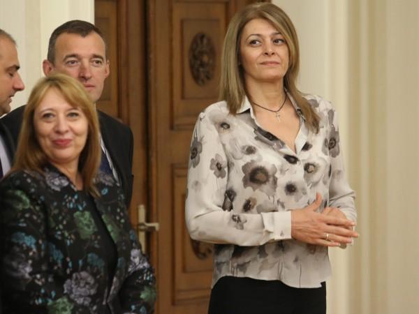 Съпругата на президента Десислава Радева е добре след интервенцията, заради