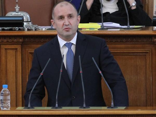 Президентът Румен Радев ще проведе консултации с представители на парламентарните