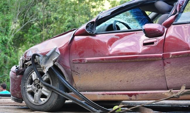 Една жертва и четирима ранени при катастрофа край Айтос
