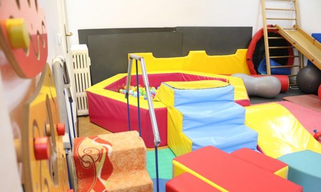 Отварят детски центрове, клубове от понеделник