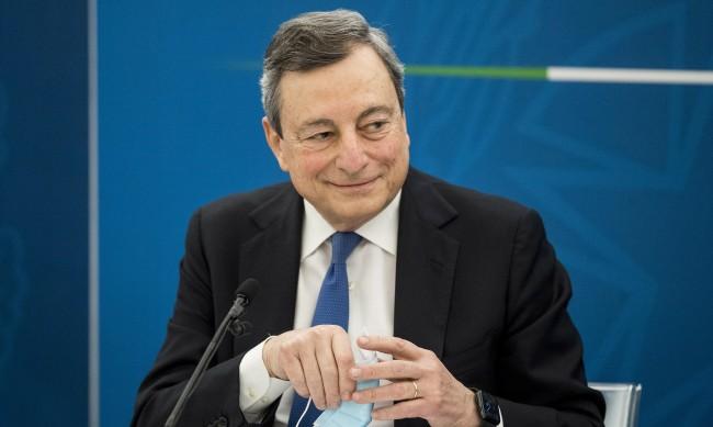 """Италия разхлабва мерките, поема """"разумен риск"""""""