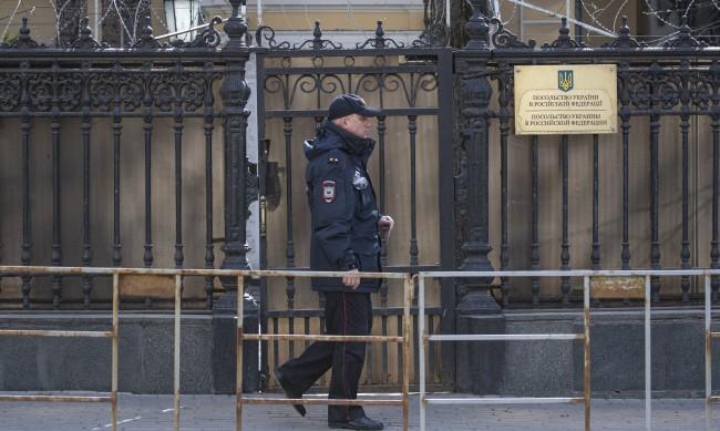 Русия гони украинския консул, който беше задържан